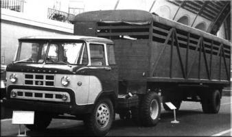 Автомобиль КАЗ 608 Колесная формула 4x2 Техническая характеристика