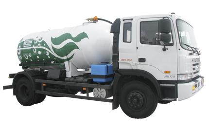 Арзамасский завод коммунального машиностроения представил новую вакуумную машину КО-523В на базе автомобильного шасси Hyundai HD170
