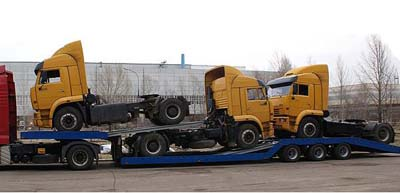 Новый автовоз Kama Ariera способен вместить четыре грузовика