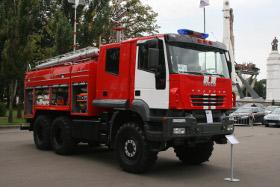 «ПИТЕРТРАКЦЕНТР» привез в Москву новую пожарную автоцистерну