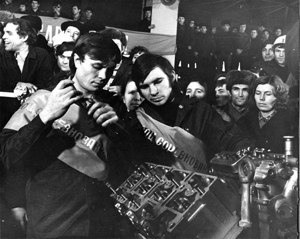 «КАМАЗ» отмечает День первого двигателя