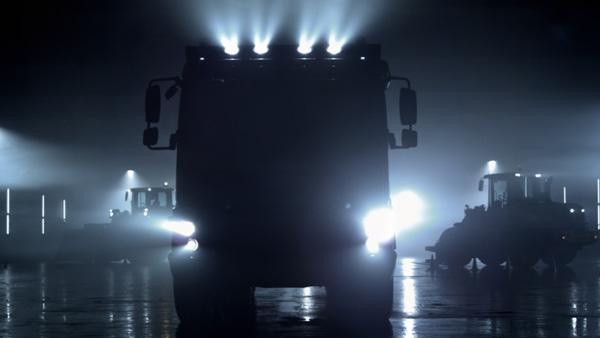 Volvo Trucks представит мировую премьеру строительного грузового автомобиля Volvo FMX на выставках КомТранс и Bauma