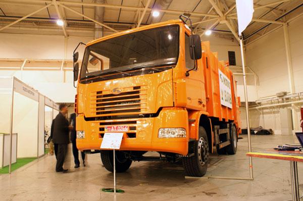 Дебют автомобиля-шасси КрАЗ Н12.0 «Коммунтех 2010»