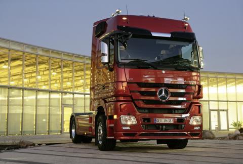 Mercedes-Benz Actros - автомобиль, работающий на 1 литре топлива