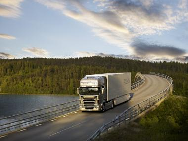 Scania ����� R-����� ��������� ����� Truck of the Year 2010