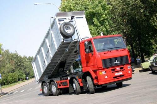 Самосвал МАЗ-6516А8 победил в номинации перспектива года