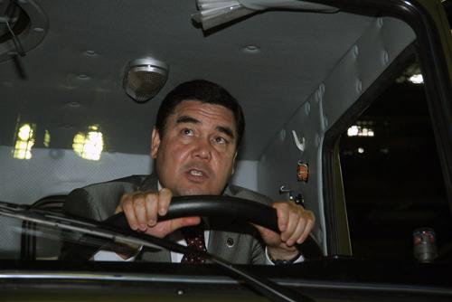Глава Туркменистана посетил родину «Мустангов»