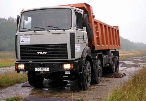 Минский завод колесных тягачей увеличивает грузоподъемность своих самосвалов до 30 тонн