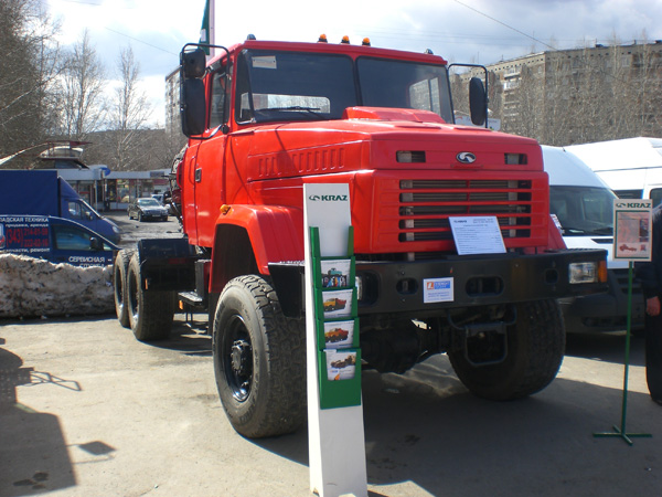 Тягач-тяжеловоз  КрАЗ Т17.1ЕХ «Бурлак»  экспонировался на  «UralComTrans -2011»