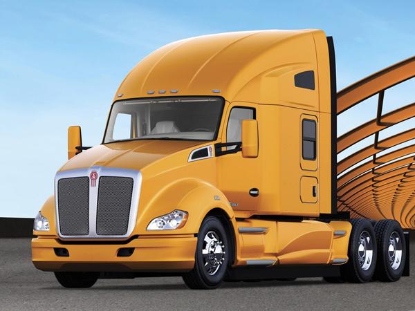Kenworth T680 получил звание тяжелый грузовик года 2013
