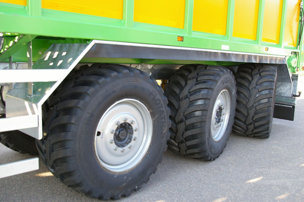 Iveco на полевых работах и на трассе