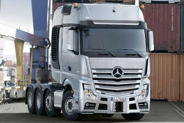 Официальный выход Mercedes-Benz Actros SLT