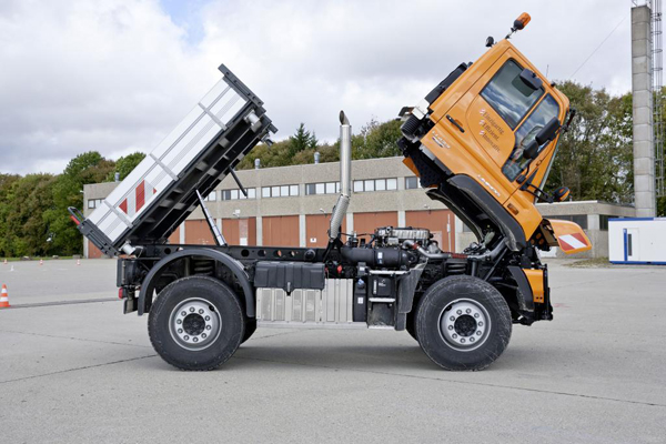 Mercedes-Benz Unimog Blue Tec 6