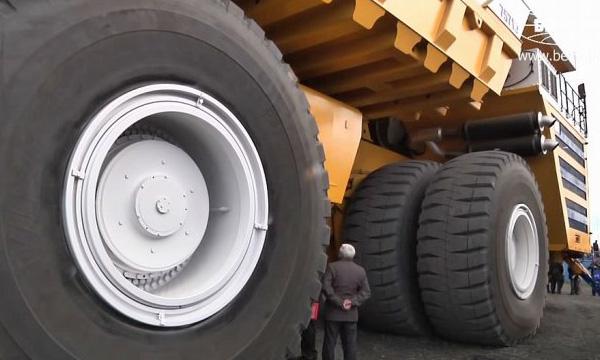 Теперь БелАЗ - самый большой грузовик в мире