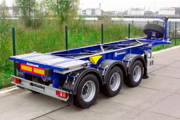 Вышли первые прицепы Grunwald для перевозки танк-контейнеров