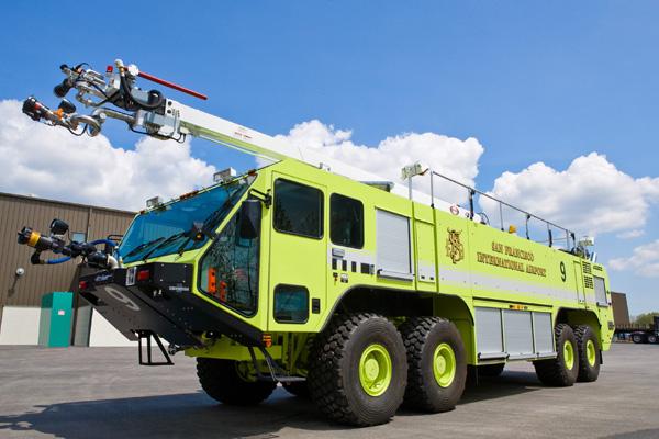 Специальный пожарный автомобиль Striker 4500