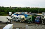 Управление грузовым автомобилем при прохождении поворотов
