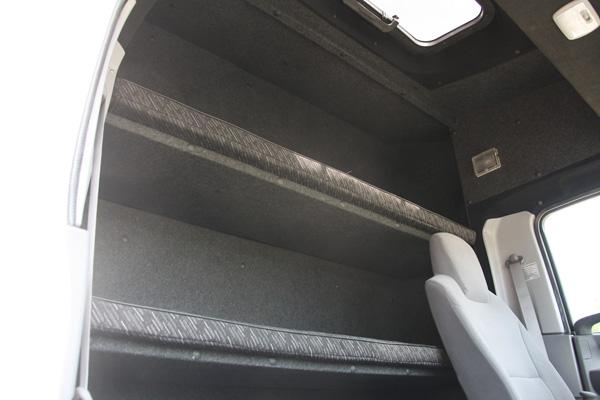 Комфортный закабинный спальник на базе шасси Isuzu ELF 9.5 (NQR90LM)