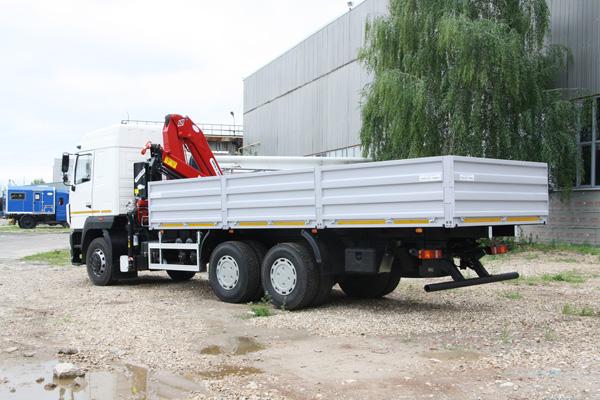 Большому грузовику - большой кран!