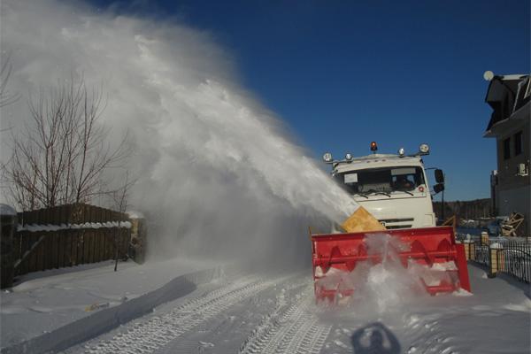 Новый снегоочиститель на шасси КАМАЗ
