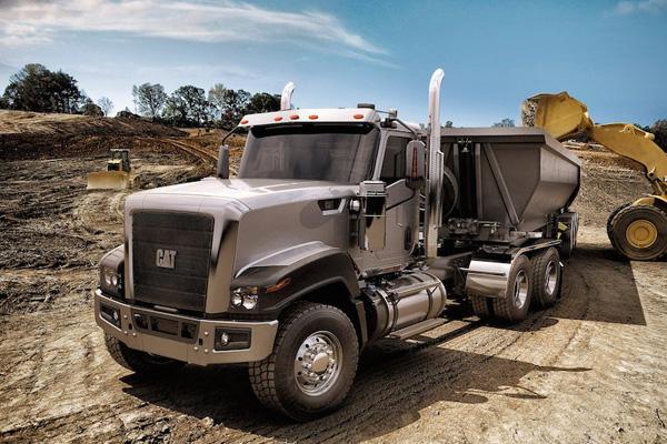 Caterpillar завершает производство коммерческих грузовиков