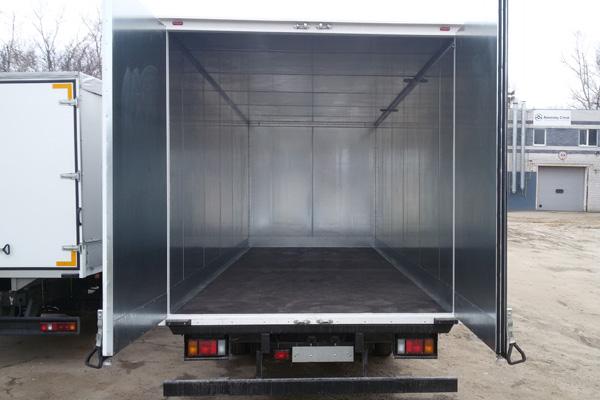 Изотермический фургон на шасси Isuzu NQR 90