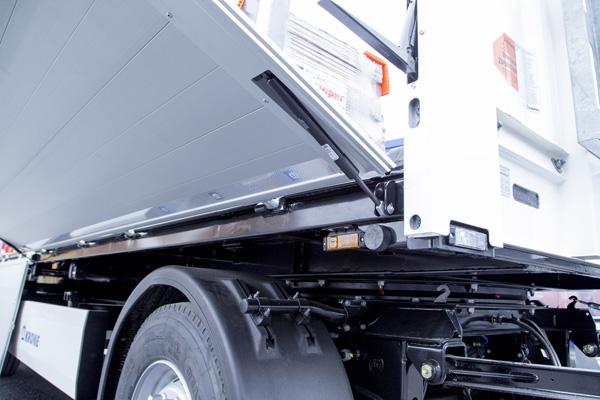 Новый прицеп для перевозки строительных материалов от Krone