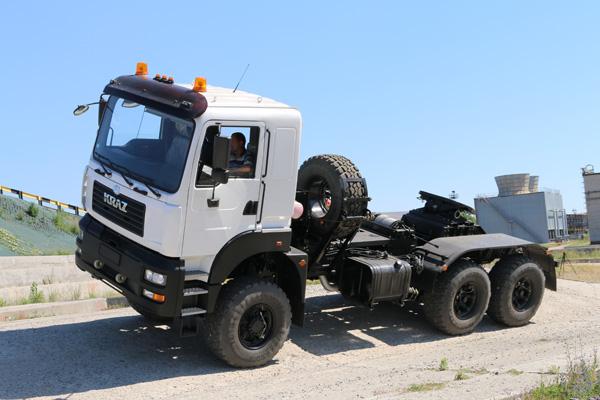 Бескапотный автомат - новый тягач КрАЗ