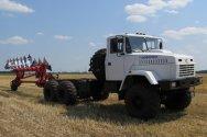 Автотрактор МЭЗ-330 проходит предварительные испытания