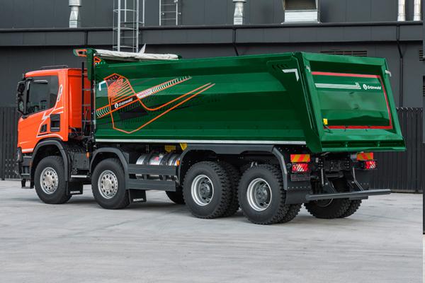 Scania P440 с самосвальной надстройкой Grunwald