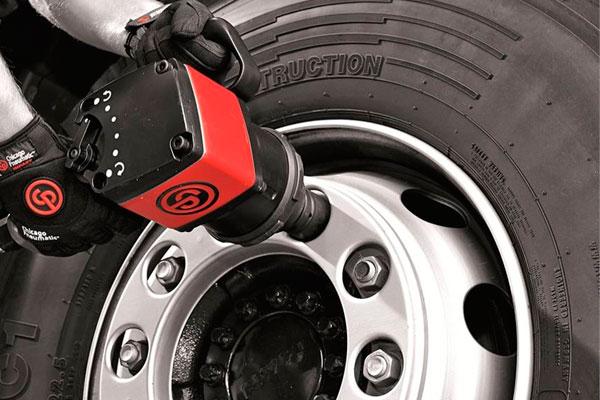 Сезонная замена грузовых шин: особенности и рекомендации