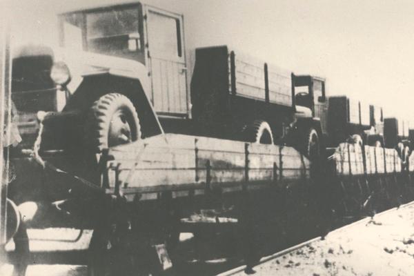 8 июля исполнилось 76 лет со дня выпуска первого уральского грузовика