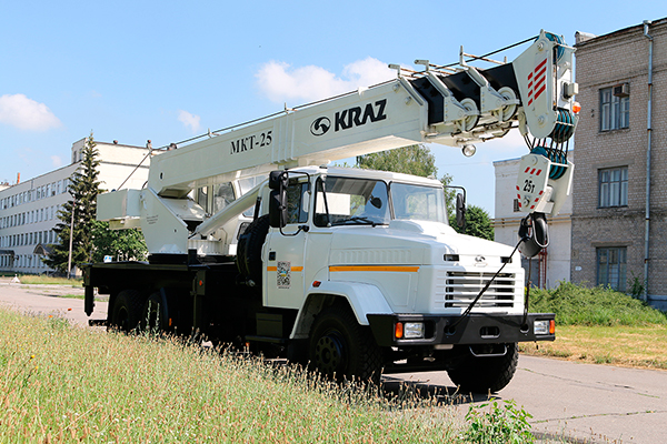 25-тонный автокран МКТ-25 на базе КрАЗ-65053