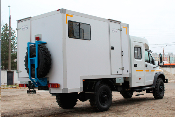 Садко NEXT с двухрядной кабиной «Тайга» для водолазов