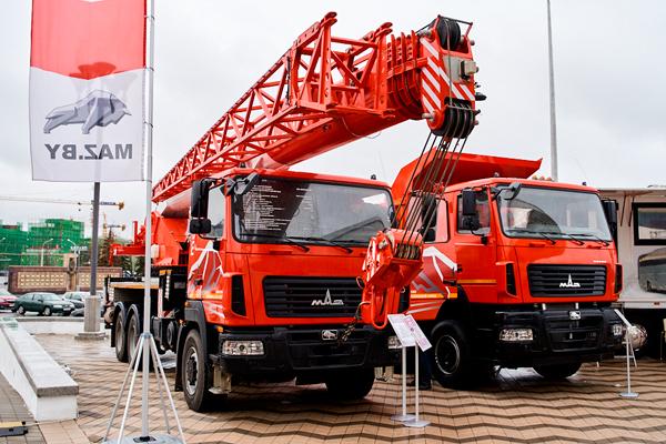 Новинка: автокран нового поколения МАЗ-5576BY-H-22