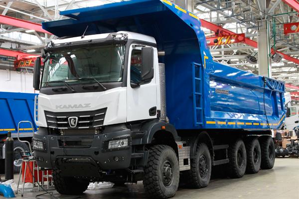 Самый большой самосвал КАМАЗ - 65 тонник 65807-0000002-90