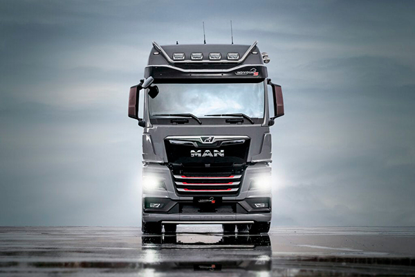 MAN TGX Individual Lion S - спортивная версия серийного грузовика