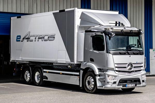Mercedes-Benz Trucks отпраздновал мировую премьеру своего первого электрогрузовика eActros