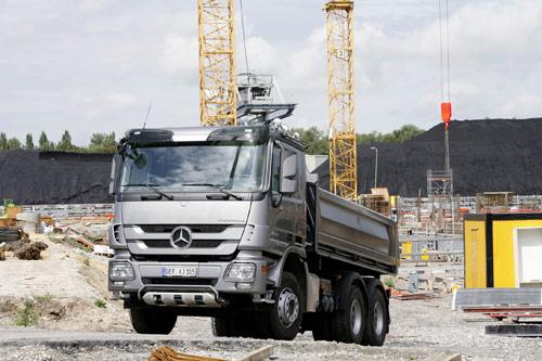 Мировая премьера: новый грузовой флагман для строительной отрасли Actros – надежный помощник на стройплощадке