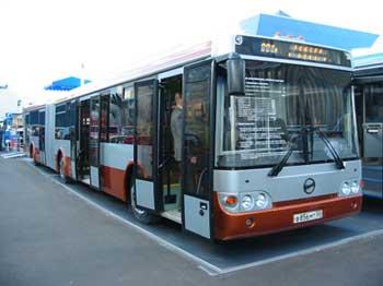 ЛиАЗ освоил серийное производство низкопольных автобусов большого и особо большого классов