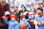 Компания Volvo Trucks передала спортивную площадку в дар детскому дому «Сол ...