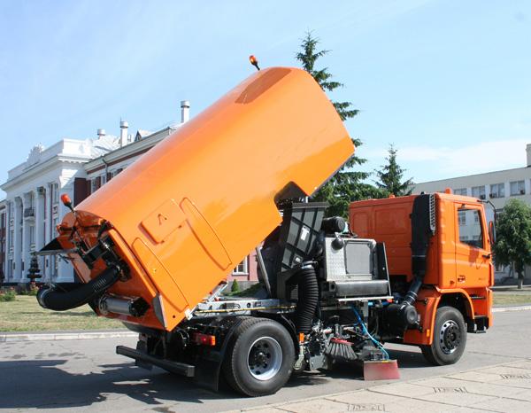 «АвтоКрАЗ» создал новый коммунальный автомобиль