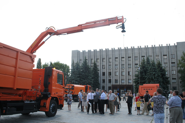 «АвтоКрАЗ» представил новую коммунальную технику руководству Кременчуга