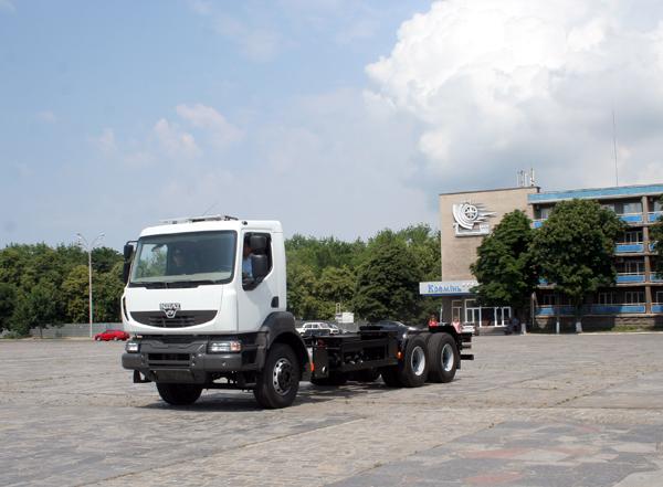 «АвтоКрАЗ»  адаптировал на шасси КрАЗ Н23.2 кабину Renault