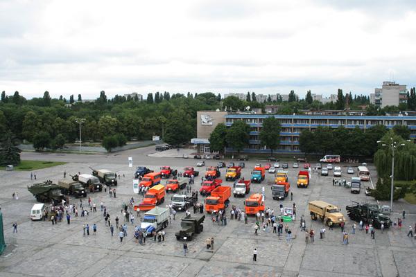Состоялось традиционное автошоу «КрАЗ – 2011»
