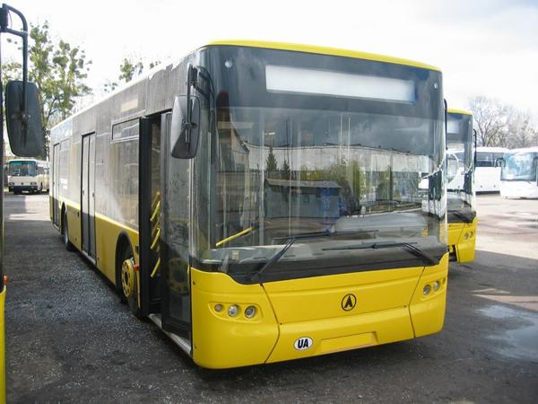 Автобусный завод в Днепродзержинске возобновил выпуск городских автобусов