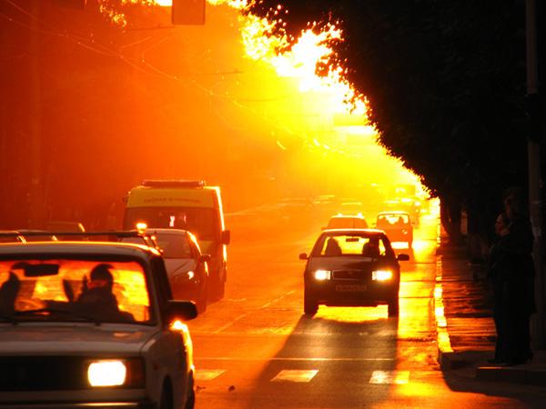ГИБДД призывает водителей быть внимательнее на дороге в жару и возить с собой питьевую воду