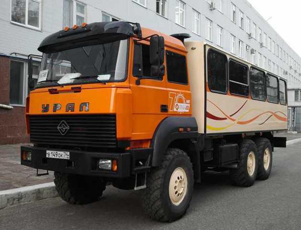 АЗ «УРАЛ» «Группы ГАЗ» представляет на выставке ComTrans'2011 новый вахтовый автобус «Урал» с пневмоподвеской