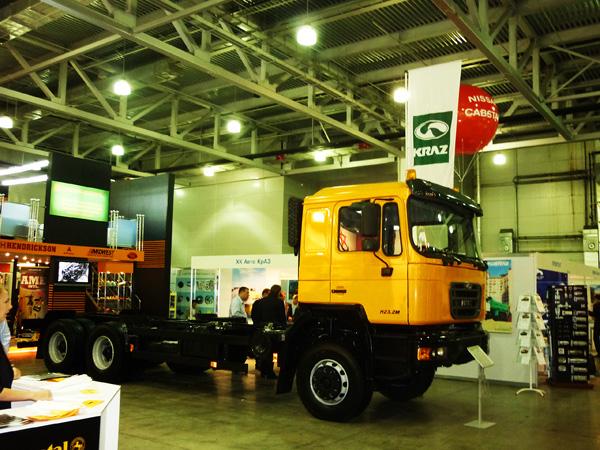 «АвтоКрАЗ»  представил  на «COMTRANS'2011» очередную  новинку  -  автомобиль-шасси КрАЗ Н23.2М