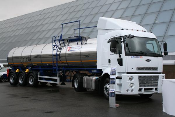 Новая цистерна 964870 на выставке Автокомплекс 2011